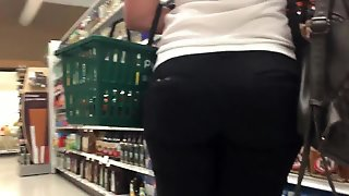 Pawg At Publix