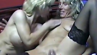 Cougar, Riding Amateur, Amateur Blowjobs, Granny Tattoo, Hd Riding, Hd Blowjobs, Amateurtrio, Threesome Cougar, Blowjo Bs, An Amateur Threesome