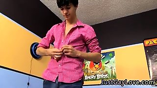 Video Hot Gay Sex Movies Nineteen Year Old Ethan Fox Calls A
