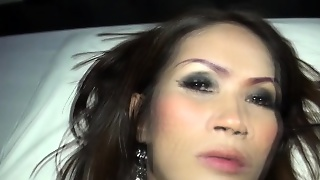 Ladyboy Masseur Fucks Guy Bareback And Gets Fucked