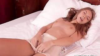 Anjelica Touch Me Hot