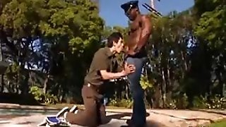 Muscled Thug Gays Hardcore Porn