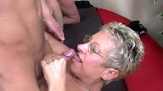 Matures, Blonde Jeune, Fuck Pussy On, Couple Mature Avec Jeune, Mature Couple Gets Jeune