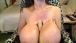 Oiling Amazing Tits And Toying On Webcam