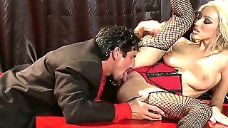 Hot Blonde Gets On Stage To Suck Her Partners Cock. Breanne Benson Is A Very Sexy Women With The Body Just Made For Stage Performance. See Her In Action.