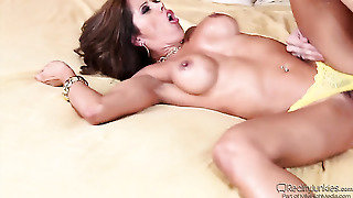Xander Corvus Buries His Rock Hard Meat Pole In Sultry Francesca Les Butthole After Blowjob