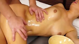 Slippery Nuru Massage With Hot Blonde Babe