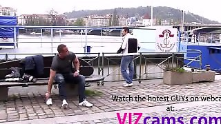 Gays   Cam From  Webchat Gay Game For Hetero Hunky Skater More At Webcamxz