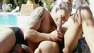 Shemale Fucks Her Boyfriend Under The Hot Sun