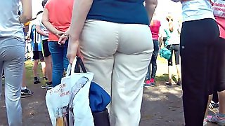 Mature Big Ass In White Pants