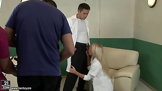 Doctor And Nurse Porn With Blonde Kiara Lord
