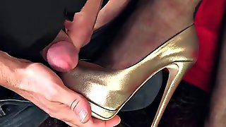 Worship High Heeled Goddess