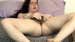 Annabelle Lee A Nice Red Head With A Great Hairy Pussy