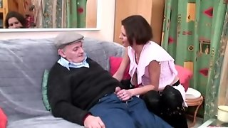 Voyeur Papy Looking For Young Pussy