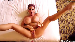 Amateur Milf Cums And Squirts