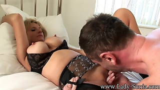 Lady Sonia Fucking In The Bedroom