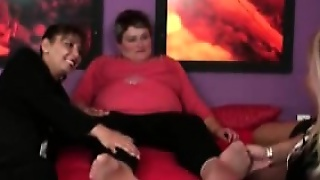 Lesbians Orgy With Chubby Busty Mom