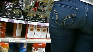 Candid Teen Ass In Tight Jeans At The Store
