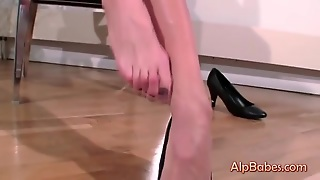 Horny House Wife In A Steamy Solo Act