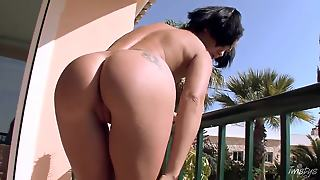 Horny Lulu Martinez Is Playing With Her Cunt At Her Room's Balcony