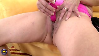 Blonde Mature Beauty Gets Herself Off With A Vibrator