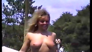 Amateur Milfs Flashing In Publick