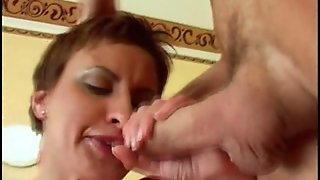 Short Hair Blowjob Is Heavenly