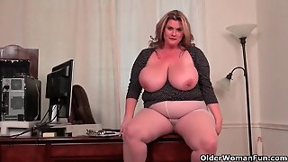 America's Sexiest Milfs: Kimmie Kaboom, Mia Jones And Love Goddess