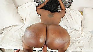 Victoria Cakes Takes A Pounding As Her Immense Ass Barely Fits On Screen