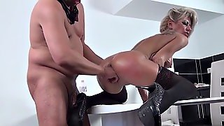 Hot Milf Fisting With Facial