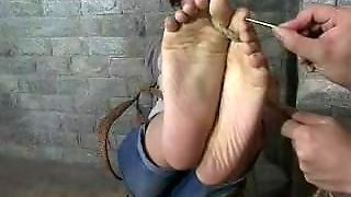 Tickle Chinese Girl Fish Episode 3 ( Foot Torture)