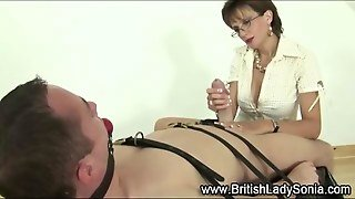 Lady Sonia Gives A Bdsm Blowjob