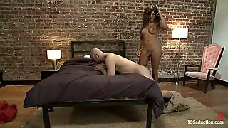 Sexy Shemale Fuck A Guy Tied Up To A Bed