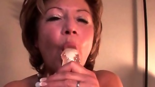 Mature In Lingerie Vibing Her Wet Muffin