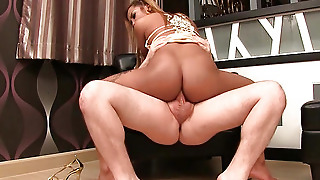Asian Ladyboy On Trannies Gold