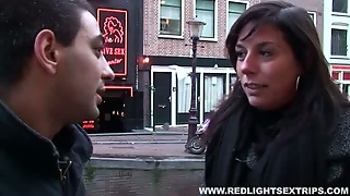 Curvy Trollop Gives Her Client From Iran A Nice Blowjob