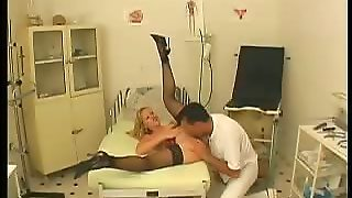 Clinic Sex Blonde Pussy Spreading