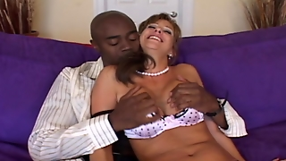 Lingeri, Hustru, Kone Gir Blowjob, Ældre Dato, Mor Giver Blowjob, Blondine Blowjob, Blowjobs, Mor Blowjob