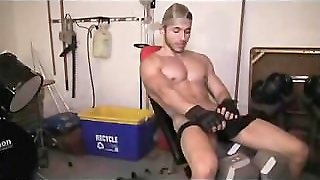 Michael Fitt Cums In The Gym