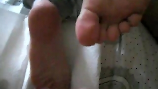 Cum On Feet