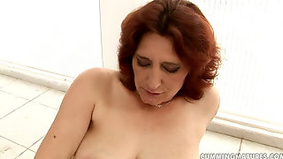 Chubby Mature Milf Ildi - Cumming Mature