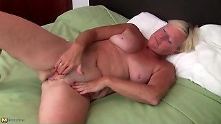 Sexy Solo Blonde Mature Masturbates Box