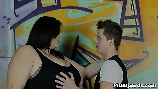Stockinged Plumper Pussylicked And Pounded