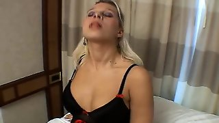 Horny Wife Masturbation In Webcam