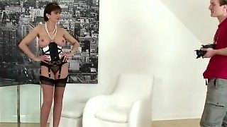 Blowjob Lady Sonia Gets A Handful Of Cock