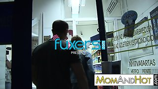 Milf Priscilla Fucked In Night Shop