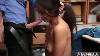 Shoplifter Lily Let Dude Fucks Her Pussy