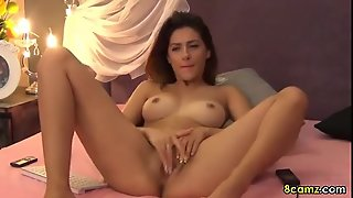 Hot Latina Model Fingering Her Pussy Live On Webcam