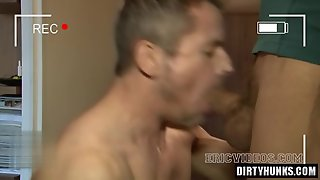 Muscle Gay Blowjob With Facial