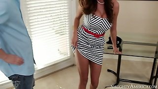 Ariella Ferrera Seth Gamble In Seduced By A Cougar